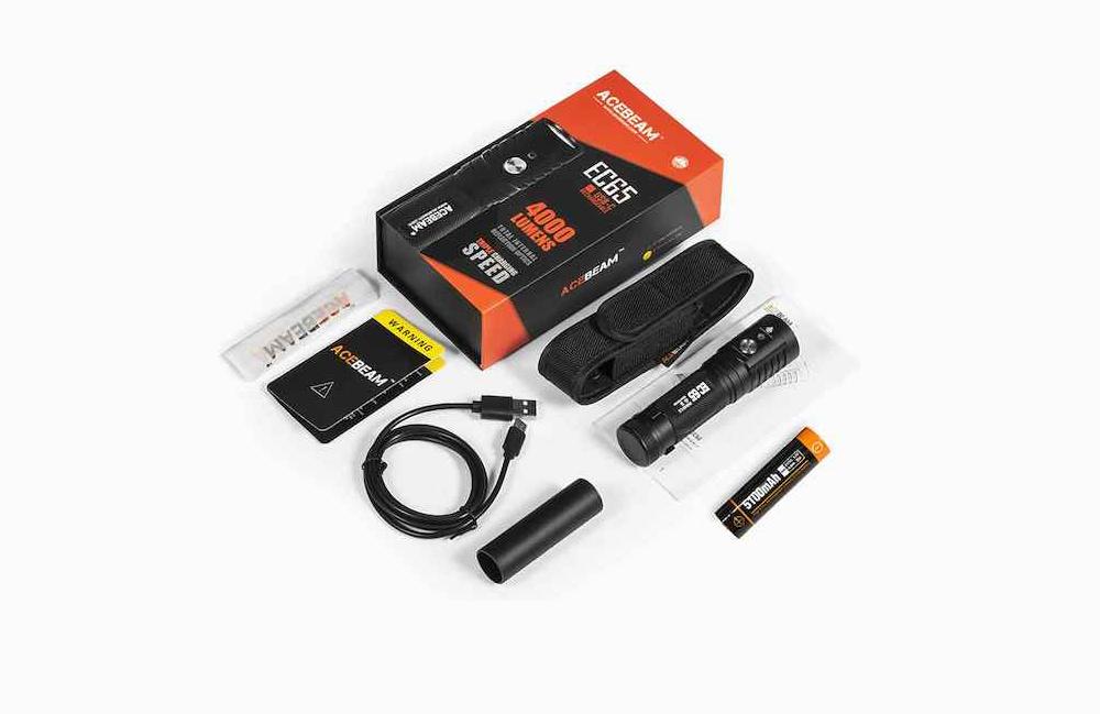 Contenu de l'emballage - Lampe EC65Batterie Acebeam 21700 5 100 mAhAdaptateur batterie 18650Câble USB-CÉtui de transportMode d'emploi et carte de garantie2 joints toriques de rechange