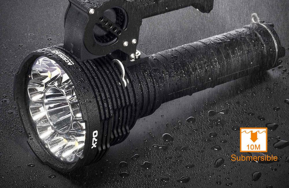 Étanchéité 10 mètres - La X70 d'Acebeam est équipée de joints toriques qui lui permettent d'être étanche jusqu'à 10 mètres.Elle est même livrée avec un jeu de joints de rechange