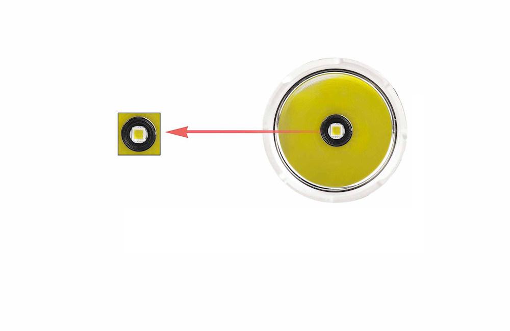 1 Led CREE XHP35 HI - La lampe tactique Acebeam L15 est équipée dun émetteur XHP35 HI pouvant produire un faisceau d'une intensité maximale 2 000 lumens