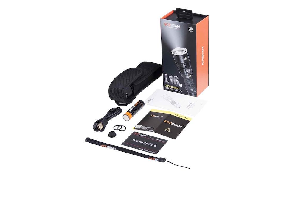 Contenu de l'emballage - Lampe L16DragonneBatterie Acebeam 18650, 3 100 mAhCâble Micro USBÉtui de transportMode d'emploi et carte de garantieJoints toriques de rechange