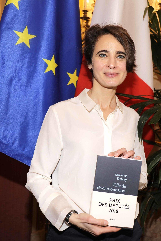 """LAURENCE DEBRAY - Triple lauréate de la Journée du Livre Politique pour son livre """"Fille de révolutionnaires"""" paru aux éditions Stock"""