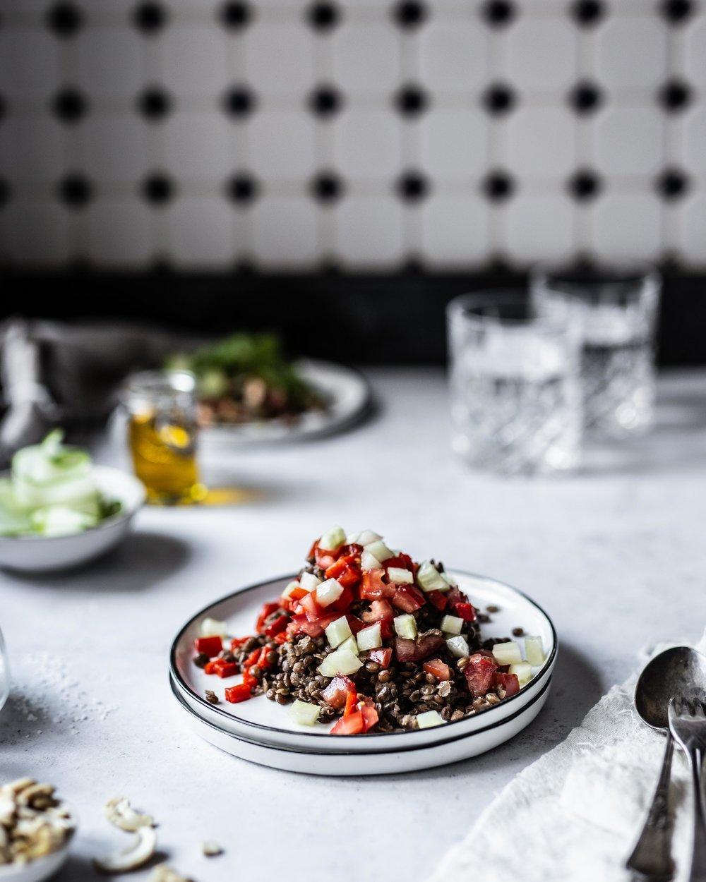 Linsensalat Gurke Paprika Foodstyling