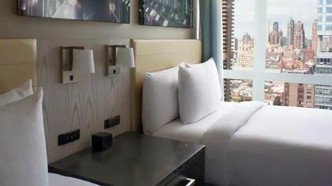 BOENDE - Hotel Doubletree Hilton Times Square West ****Ett hotell med närhet till allt. Några minuters gångavstånd till Times Square,ca 20 minuter till central park m.m.
