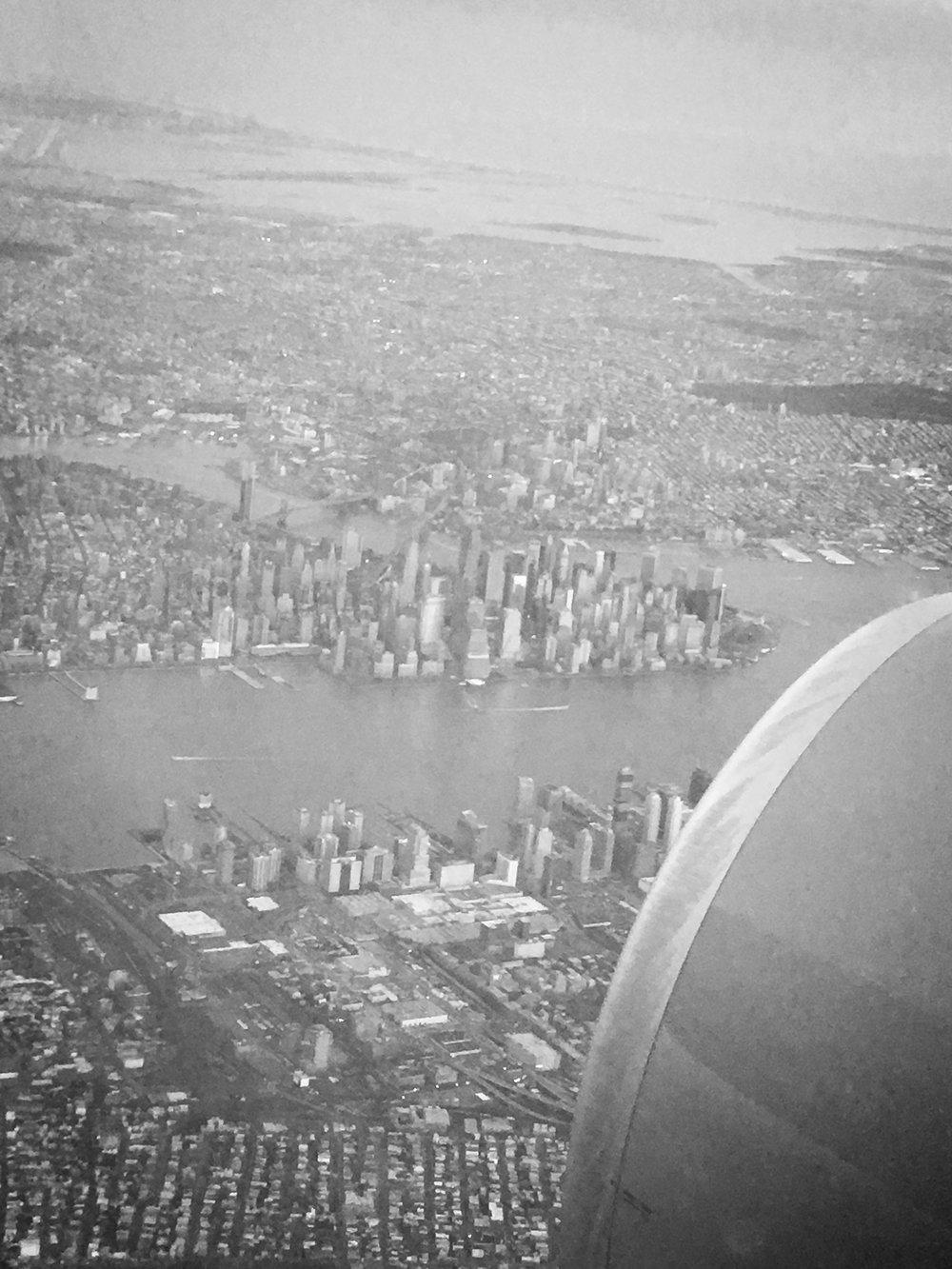 Fullbokad - Pris per person i dubbelrum 15 990 krPris per person i enkelrum 19 590 krBarnrabatt för barn t.o.m. 11 år 990 krI PRISET INGÅRFlygresa Arlanda – New York t/rSkatterBagage 1 väska + 1 handbagageMat på flyget5 nätter på Hotel Doubletree Hilton Times Square WestFrukostTransfer flygplats – hotell med svensk guideStadsrundtur Manhattan med svensk guideRundtur på Madison Square GardenTransfer t/r ut till Nassau ColiseumTransfer hotell – flygplats med svensk guideMatchbiljetter tillNew York Rangers – Tampa Bay LightningNew York Islanders – Toronto Maple LeafsNew York Rangers – Montreal CanadiensViktig information gällandeinresa till USA (ESTA)Resevillkor Supreme Travel Sweden AB(Ladda hem)