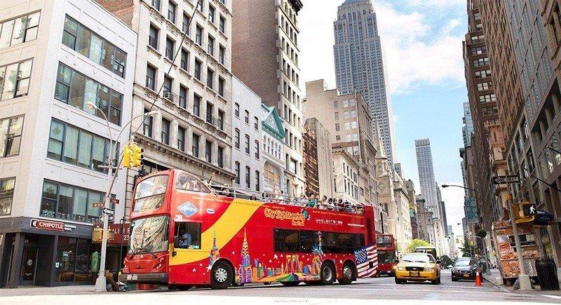 Utflykter och buss - I resan ingår 3 valfria utflykter samt 72 timmars Hop On - Hop Off buss.Mycket bra sätt att ta sig runt på Manhattan och Brooklyn.Länk till utflykter