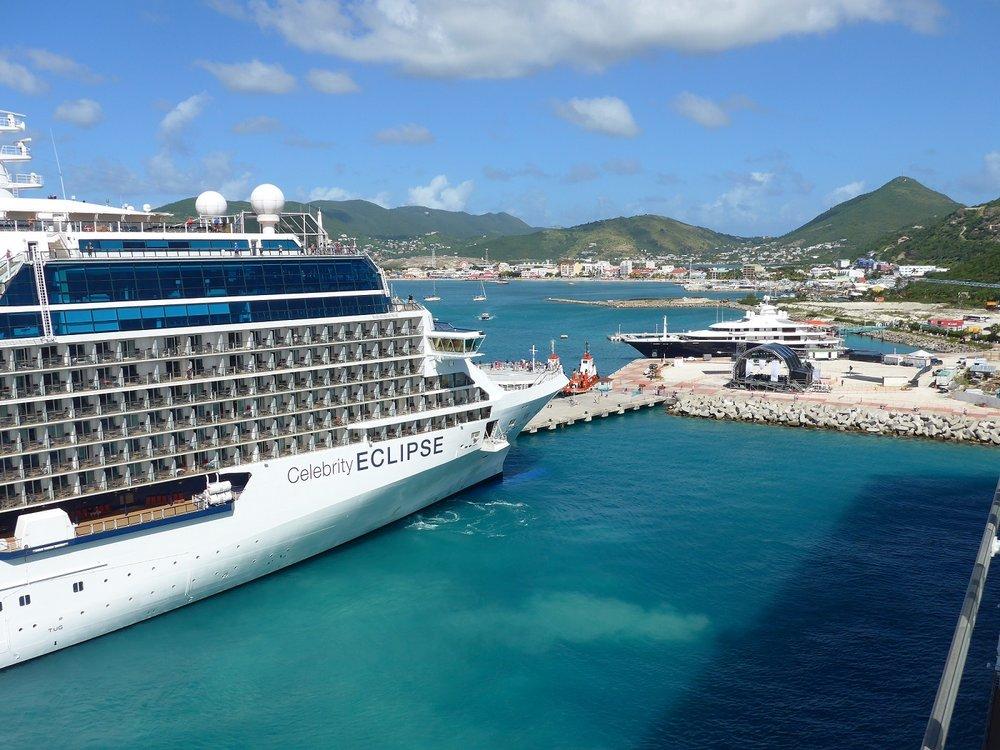 Kryssningar i Karibien med Celebrity Cruises - Celebrity Cruises erbjuder många fantastiskt vackra kryssningar i Karibien.Klicka här för att söka bland alla kryssningar vi erbjuder med Celebrity i den Karibiska övärlden.