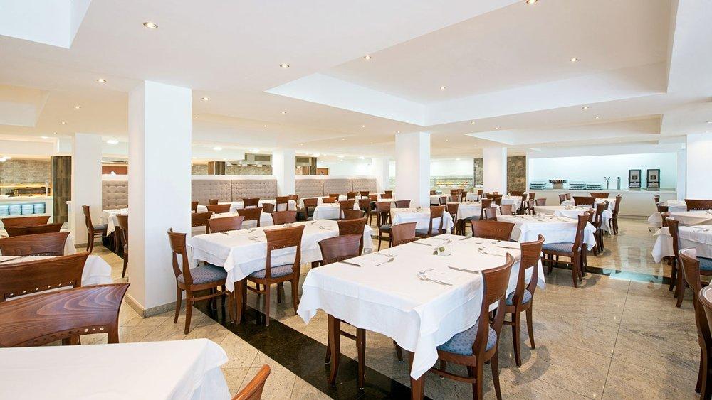 """Lunch på hotellet - Kl 12.00 är det lunch. Lunchbuffé med """"all inclusive""""."""