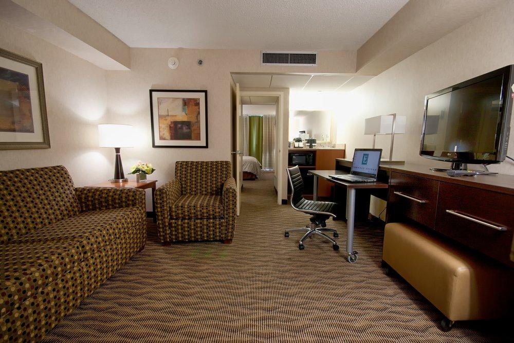 OKCMRES-suite-king-parlor.jpg