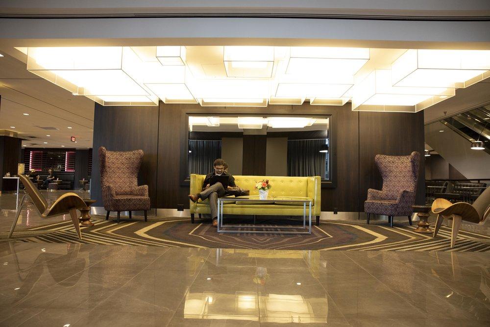 5V9A9070_Lobby.jpg