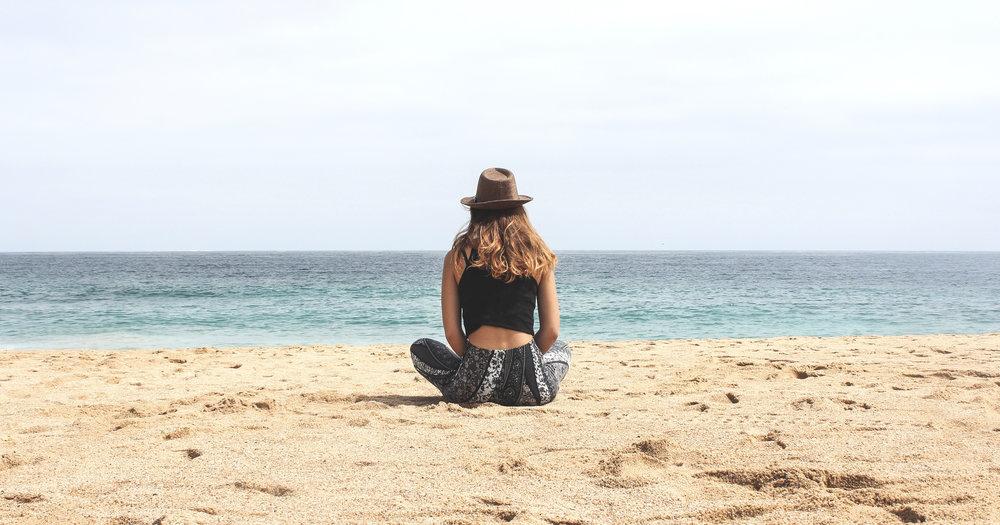 herbal_mist_teas_beach_girl_1.jpg