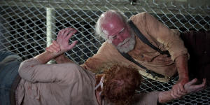 20131111_011624_the_walking_dead_60461_300