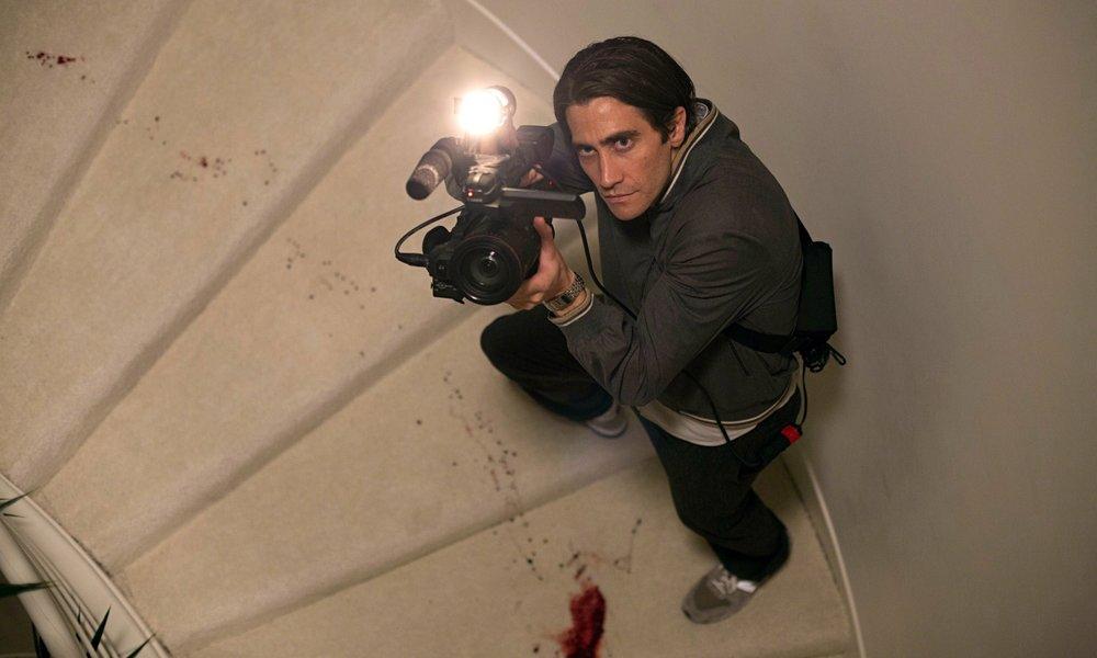 jake-gyllenhaal-plays-an-014.jpg