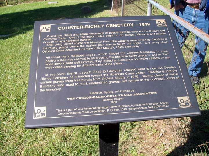 Courter-Richey Cemetery.jpg