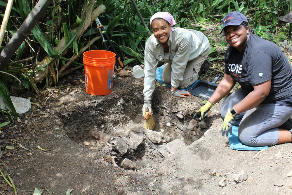 Howard University student Jewell Humphrey and Dr. Alicia Odewale excavating at the Estate Little Princess.