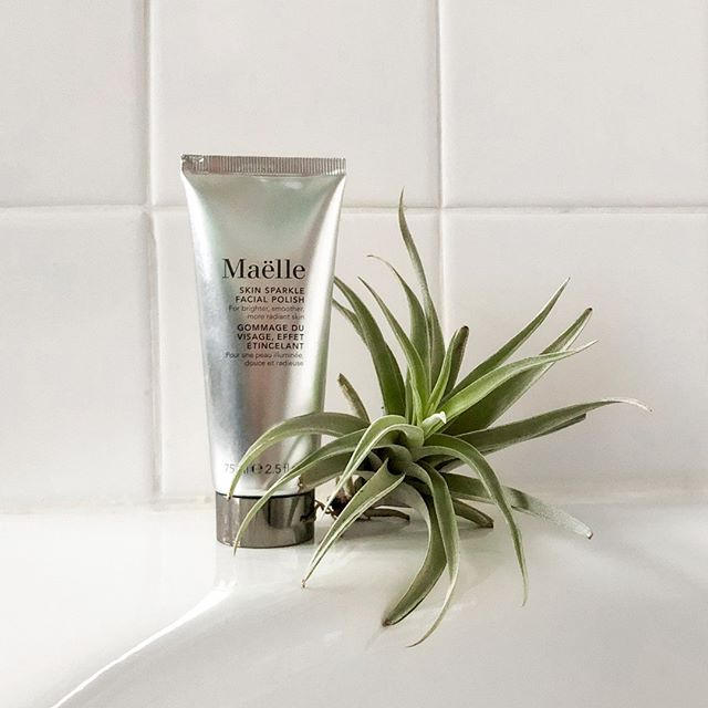 Us, tonight, for happy hour 💆 No cocktails required. Ingredients you'll love in our Skin Sparkle Facial Polish: ✨Desert lime, a powerful antioxidant that helps rejuvenate the skin, enhance firmness and even skin tone. ✨Desert peach, which helps to nourish and moisturize the skin. ✨Aloe vera, a natural skin-soother, detoxifies and protects the skin against free radicals and helps maintain a healthy glow ✨Wattle seed, rich in gallic acid, a natural antioxidant and gentle exfoliant, helps refine pores, smooth skin, and soothe away redness.  Available now at @Beautycon POP (!) and on our site✨  #maellebeauty #beautycon #beautyconpop #crueltyfree #crueltyfreeskincare #crueltyfreecosmetics #skincare #skincareaddict #exfoliator #exfoliate #skincareroutine #crueltyfreebeauty #beauty #communitybuiltbeauty
