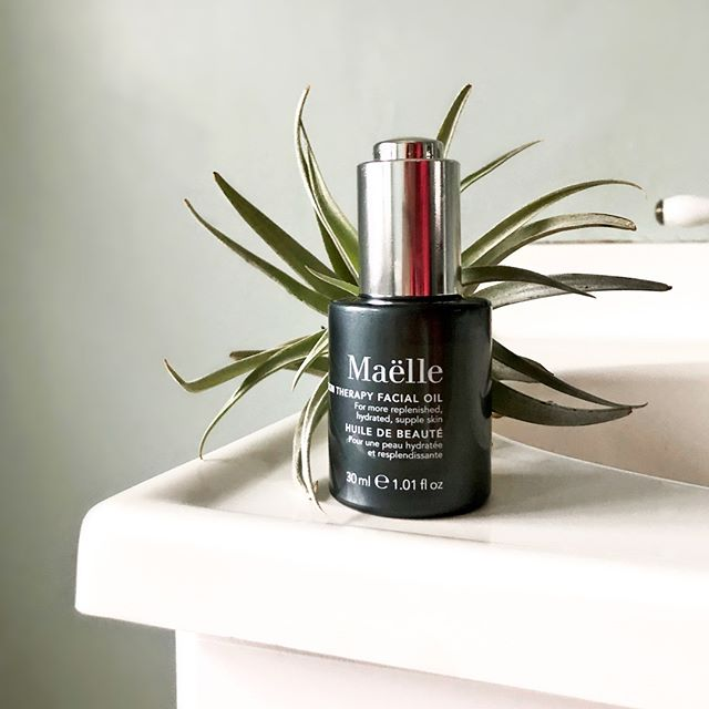 New year, new skincare routine. Facial oil can be confusing, so we're here to debunk the myths for #TipTuesday. No, all facial oils do not cause breakouts. Yes, facial oil should be used as the last step in your skincare routine for better absorption. Here's a few reasons we love Maëlle Skin Therapy Facial Oil: ✨Coenzyme Q10 & vitamin E rejuvenate skin and fight free radical damage ✨Camellia oil, an incredibly powerful antioxidant, protects skin ✨Kukui oil helps to soothe minor skin irritations and contains vitamins A, C, and E  Do you use a facial oil in your beauty routine? ✨