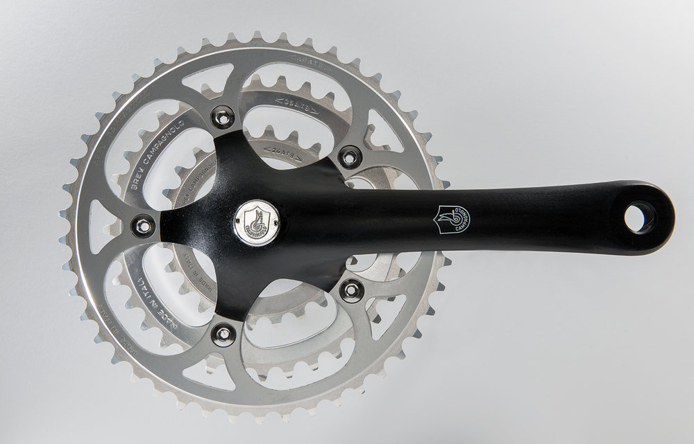 Campagnolo Olympus  It was introduced in 1991 and was Campy's low-end MTB grouppo at the time.
