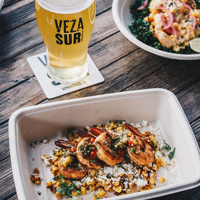#Sundays are for relaxing with #friends. One of our favorite places to gather is @vezasurbrewingco - that's why we parked our #foodtruck there! Our small plates like these Anticuchos de #Camarones are perfect for sharing. So grab your crew, sip on a #vezasur #craftbeer and enjoy the #best #chinoperuvian food at #ChifaStreet. #perfectsunday #sundayvibes #Miami #Wynwood