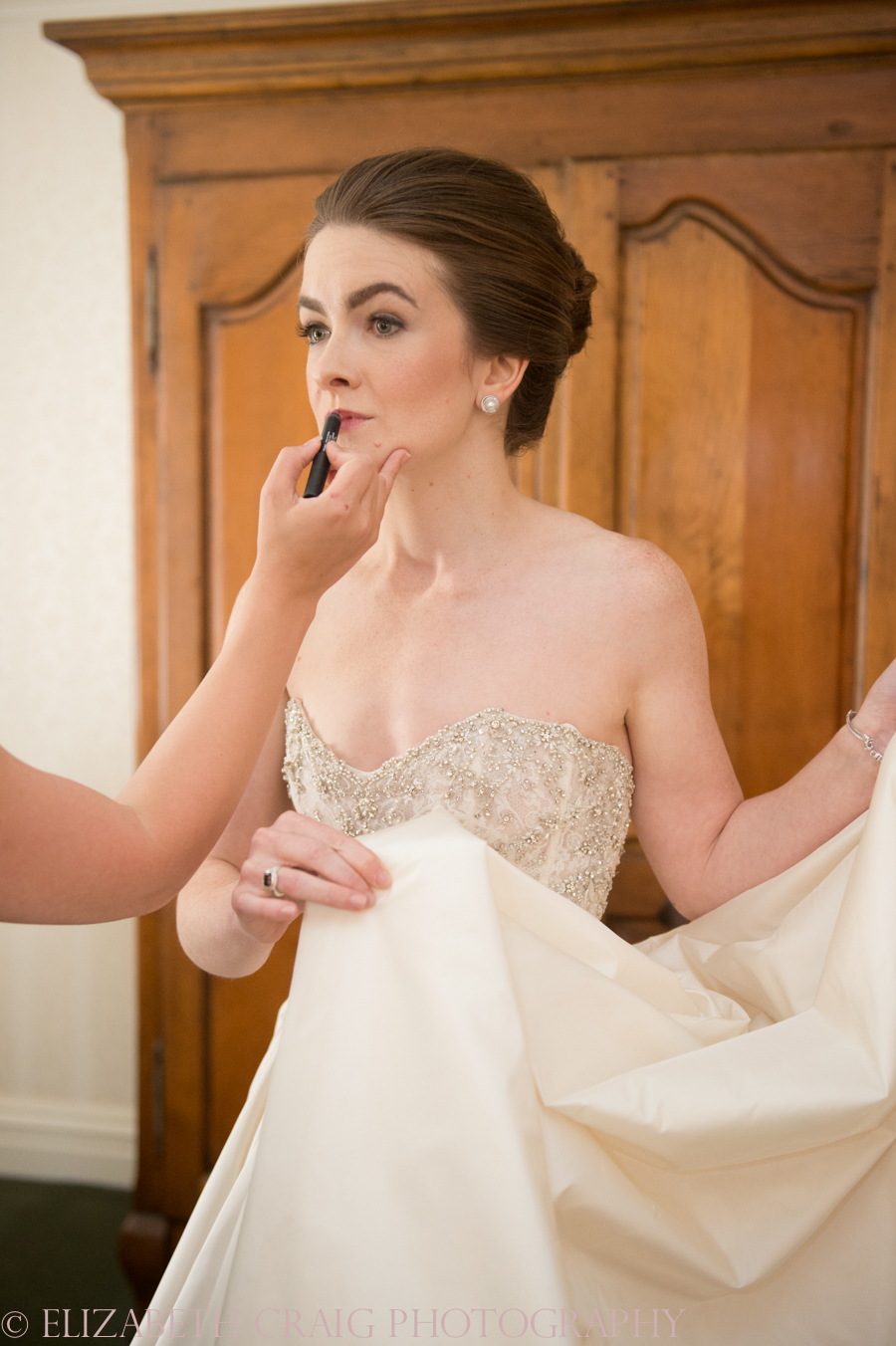 Omni William Penn Getting Ready Wedding Day Photos | Renaissance Suite-34
