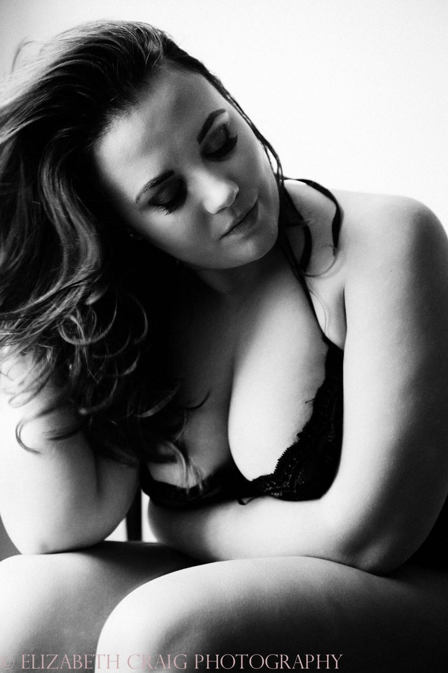 Curvy Girl Boudoir Photographer-9
