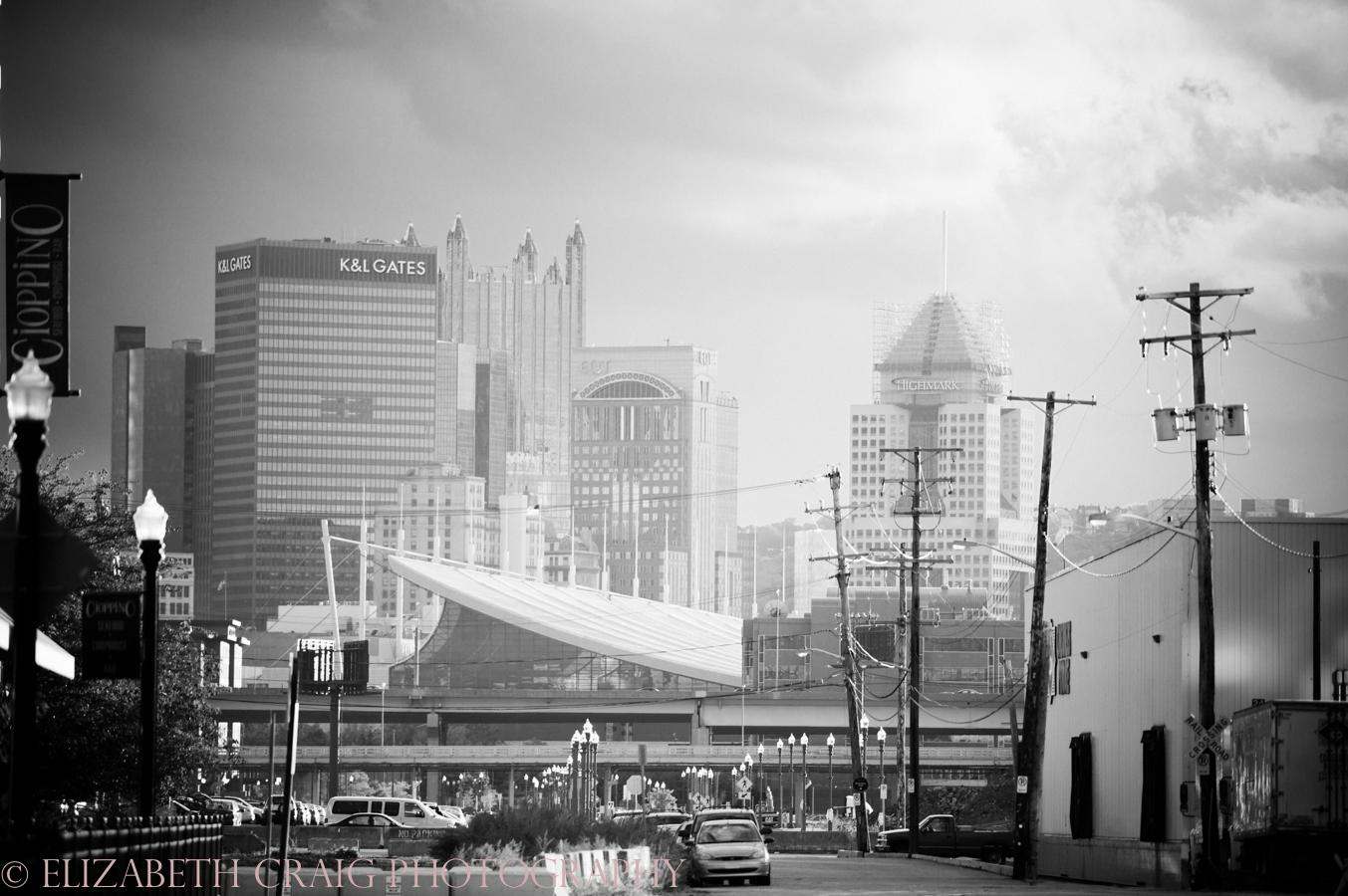 Strip District Pittsburgh Engagement Sessions | Elizabeth Craig Photography-0002