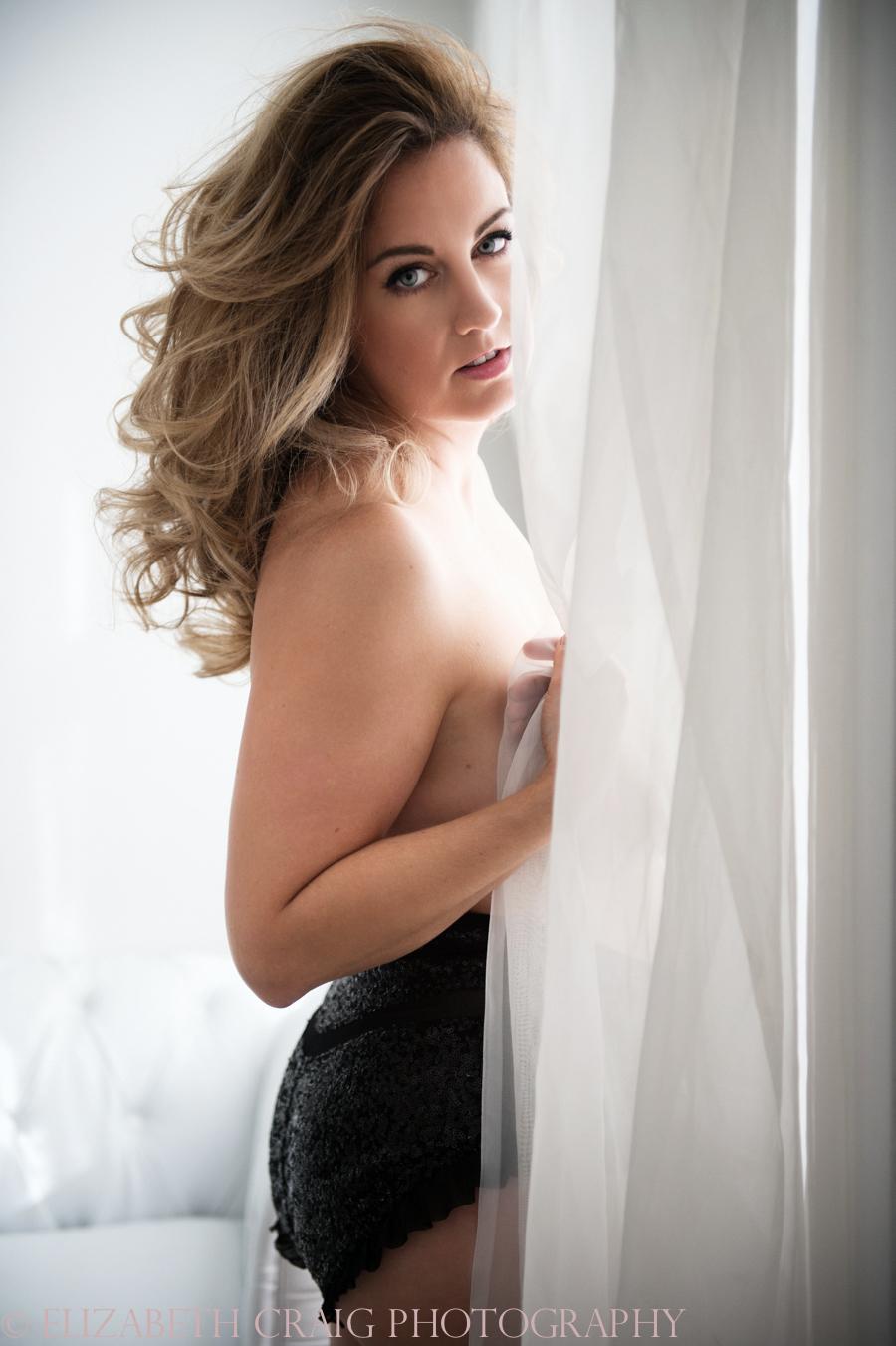 Curvy Girl Boudoir Photography-006