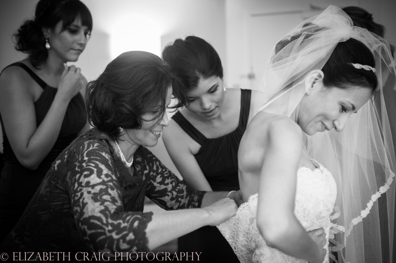 pittsburgh-wedding-photographers-doubletree-pittsburgh-sacred-heart-elizabeth-craig-photography-8
