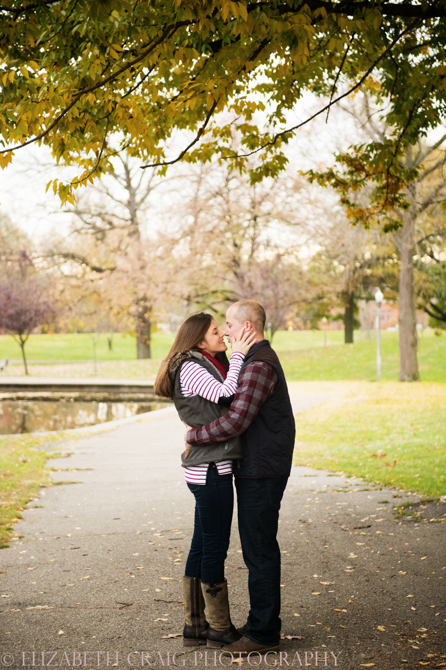 fall-engagement-photos-pittsburgh-elizabeth-craig-photography-001