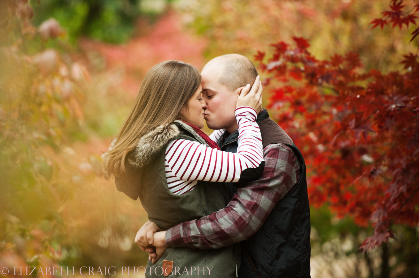 fall-engagement-photos-pittsburgh-elizabeth-craig-photography-010