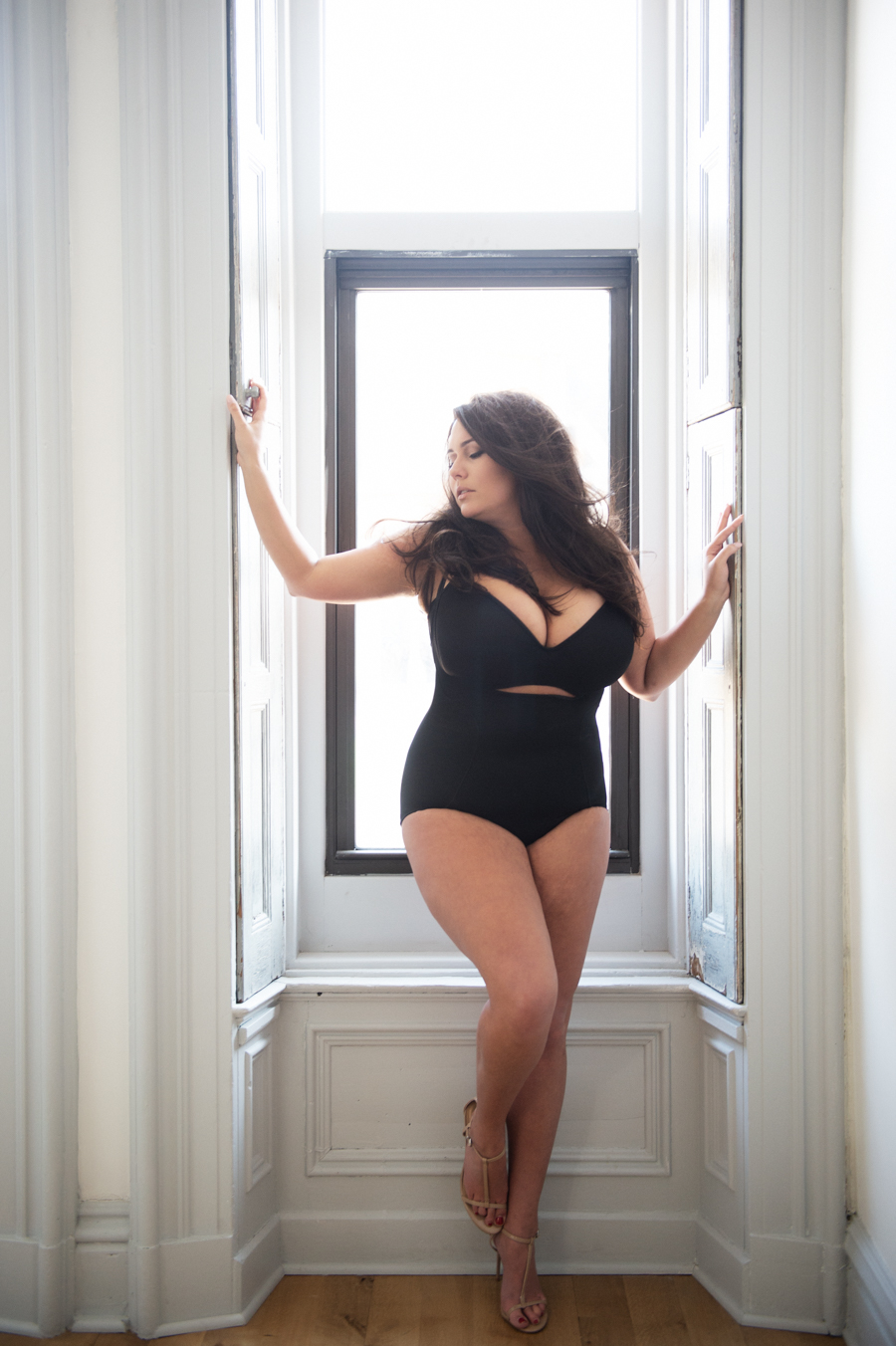 Loving Your Beautiful Curves | Elizabeth Craig Photography-3