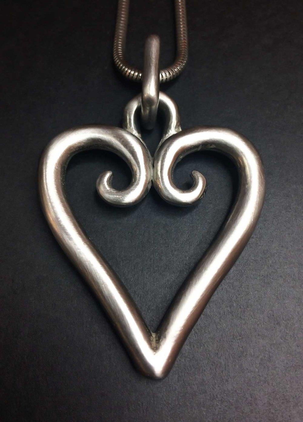 M-Korru-Heart-Pendant.jpg