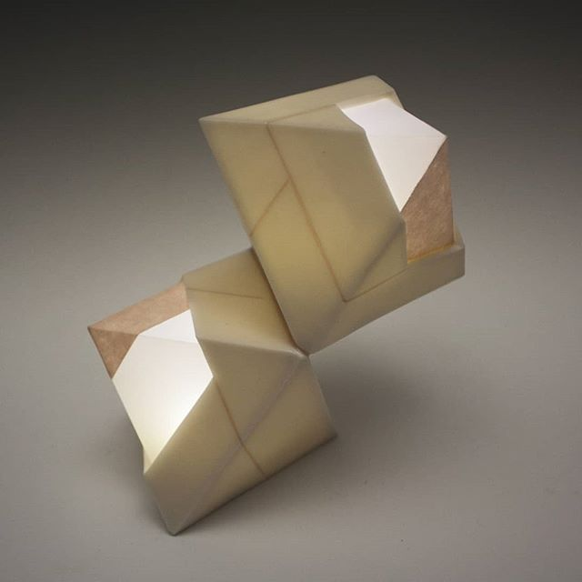 It's a new piece from yours truly. #yours #truly . . . #clay #porcelain #paper #light #ceramics #contemporaryceramics #ceramicsculpture #contemporarycraft #contemporaryart #sculpture #contemporarysculpture #art #fineart #instaart #geometric #geometricart #precision #paperart