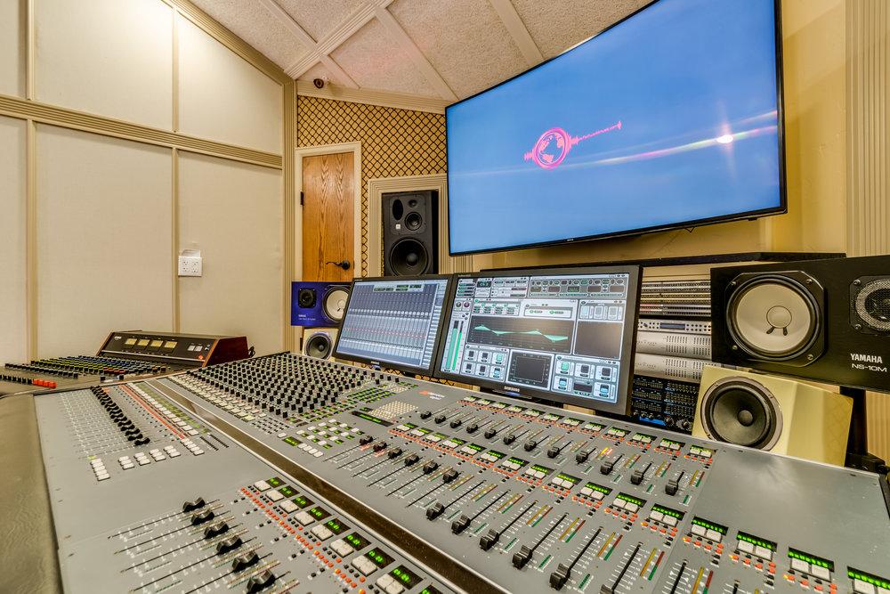 Lucero Studio-61.jpg