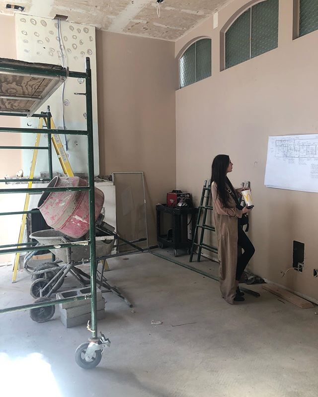 Finalizing plans and ready to go on this exciting full gut reno project 💃#scottsdalechic #londonpiercedesign #renovation #demo #designboss #girlpower #interiordesign #interiors #realestate #designer #chic #modern #luxury #scottsdale #scottsdaledesigner #designlife