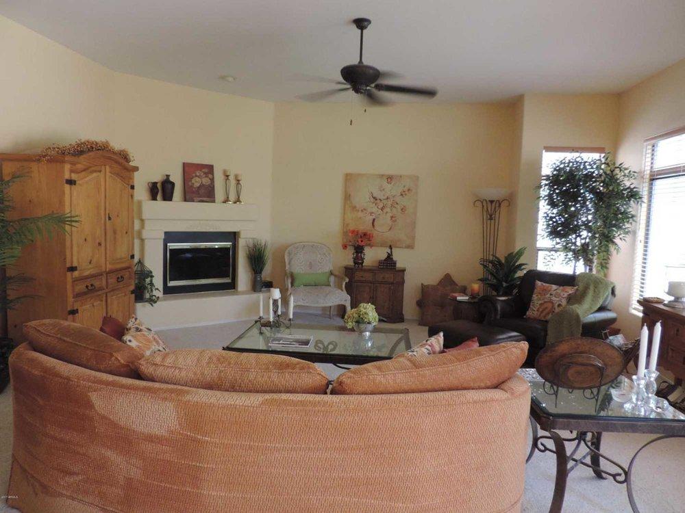 Old rustic design living room
