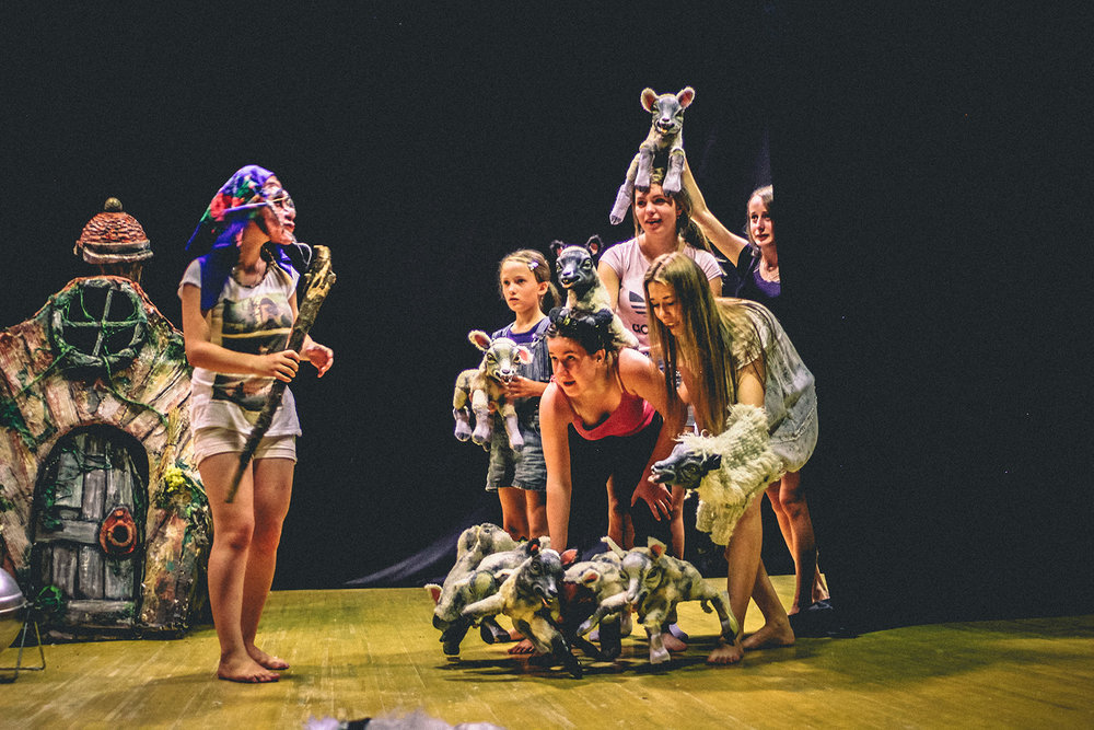 Sommer 2018: Puppentheater mit dem englischen Regisseur Purvin in Nischnje Selischtsche