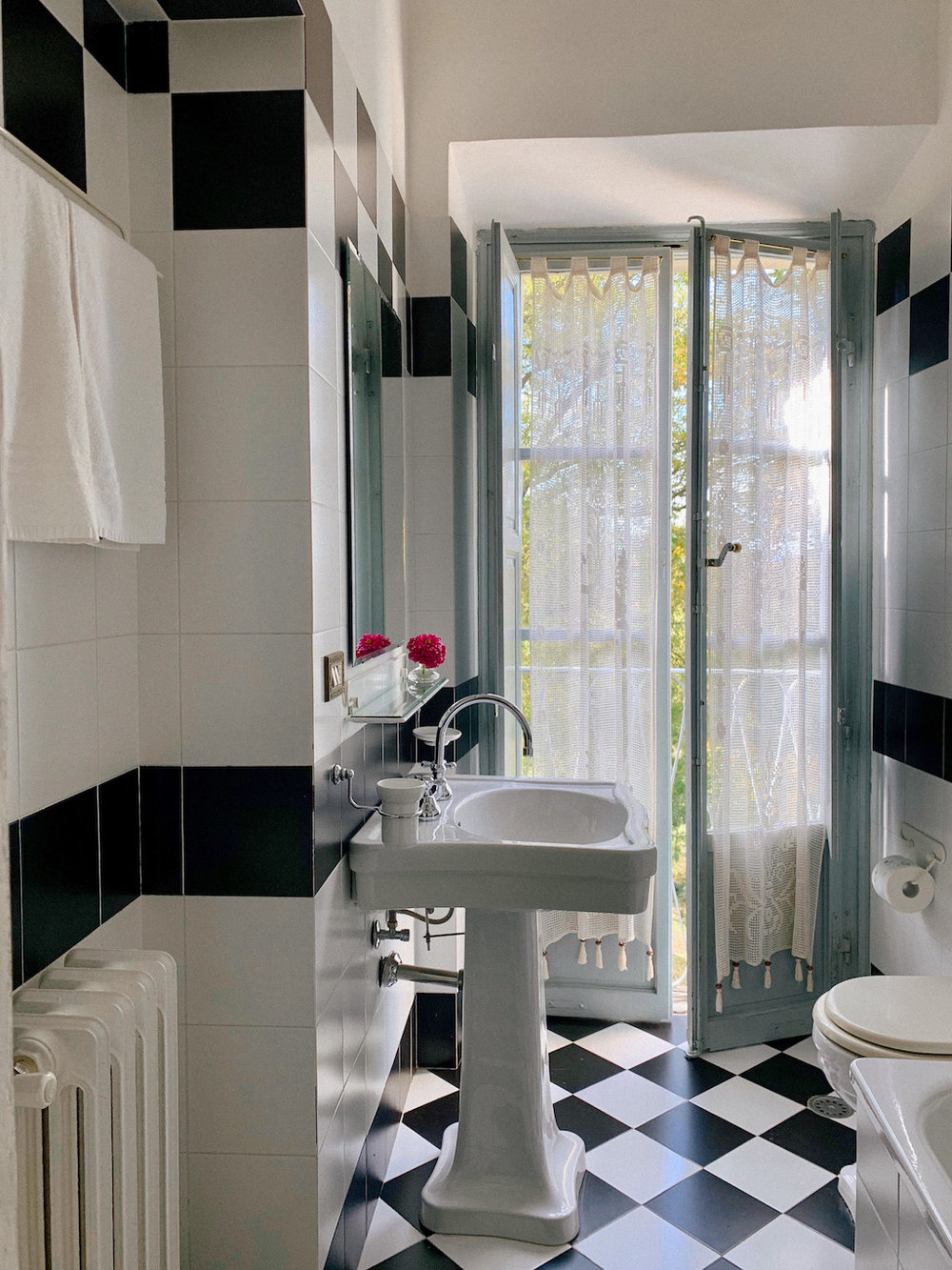 Rooms_and_bathrooms-18.jpg