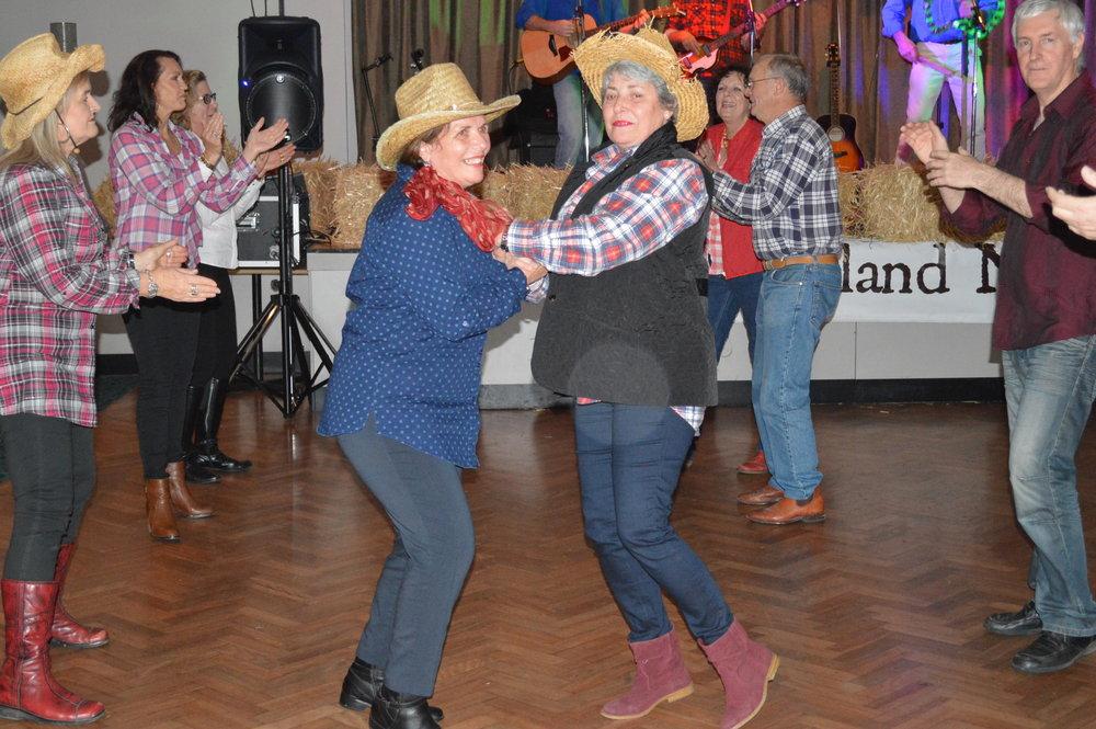 DuralCC Bush dance 2015 (51).JPG