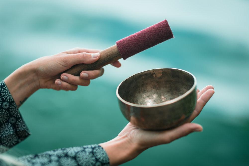 tibetan-singing-bowl-PLJUT47.jpg