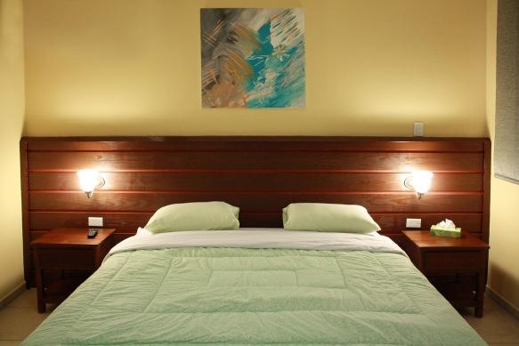 Small+deluxe_bedroom3_2013apt+14.jpg