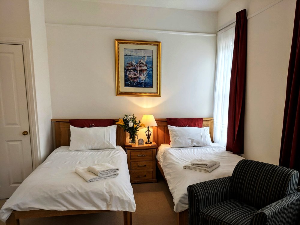 5 Rm 2 beds.jpg