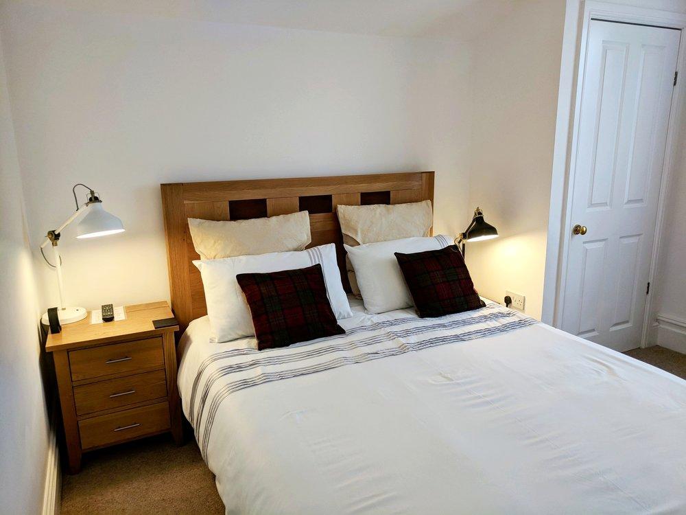 1a Rm 1 Beds.jpg