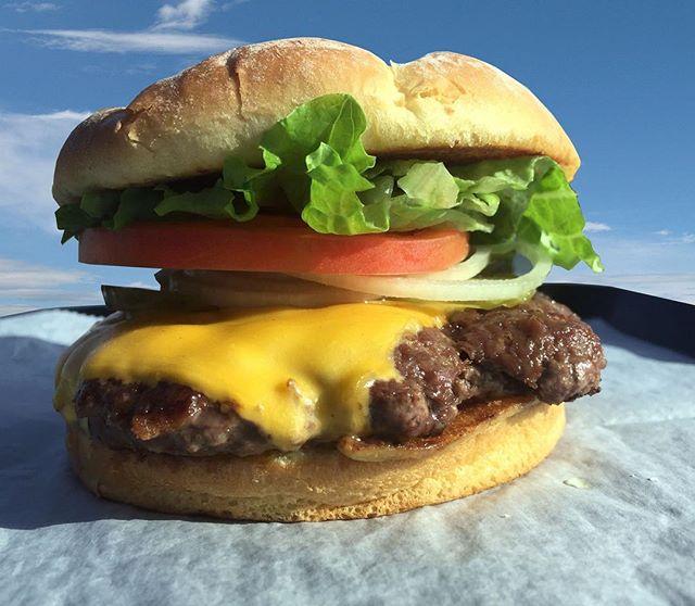 Weekends are for burgers 🤘🍔 Tag your burger hangout buddies! • • • #utah #lunch #dinner  #weekend #utahfood #tonyburgers #burger #fries #shake #delicious #utahlocal