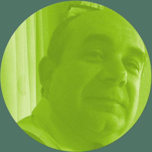 Dr. Juan Antonio García - Licenciado en Medicina y Cirugía por la Universidad Complutense de Madrid y Doctor en Medicina por la Universidad Rey Juan Carlos. Jefe de Servicio de Anestesiología-Reanimación en el Hospital Universitario Infanta Cristina de Parla. Actualmente es Presidente de la Sociedad Madrileña del Dolor. Es autor de diversos trabajos y ha participado en ensayos clínicos y estudios epidemiológicos en el campo del dolor.