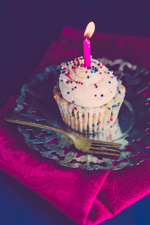 funfetti cupcakes!.jpg