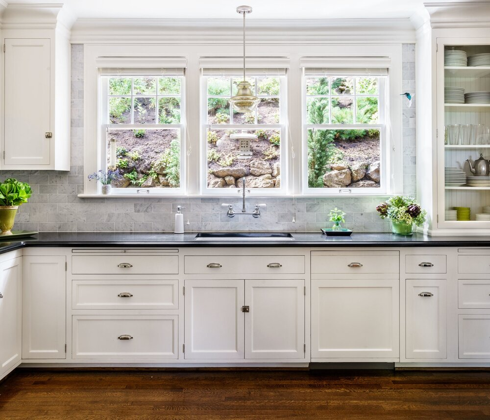 New appliances give existing cabinets fresh look.