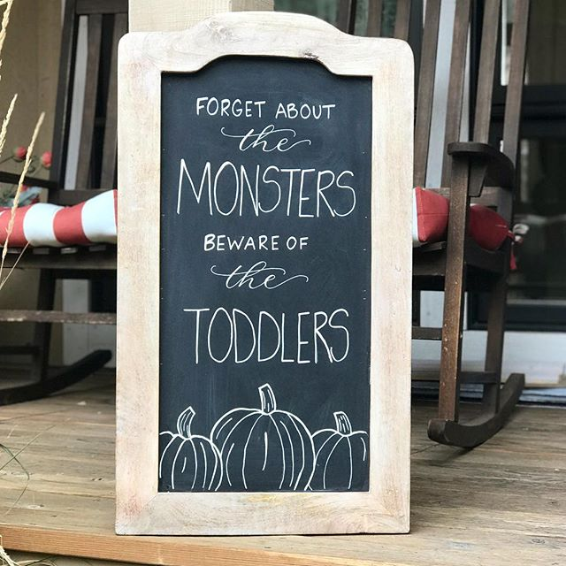 You never know where those two year olds may jump out 👻😂 hope everyone has a happy and safe Halloween! 🧡#happyhalloween . . . #halloween #chalkboardart #chalk #thisistwo #toddler #graphicdesign #smallbusiness #local #chalkboard #handlettering #eventsignage #pumpkins #monstermash #moderndesign #simple #moderncalligraphy #apres #humpday🐫 #art #jacksonhole #wyoming