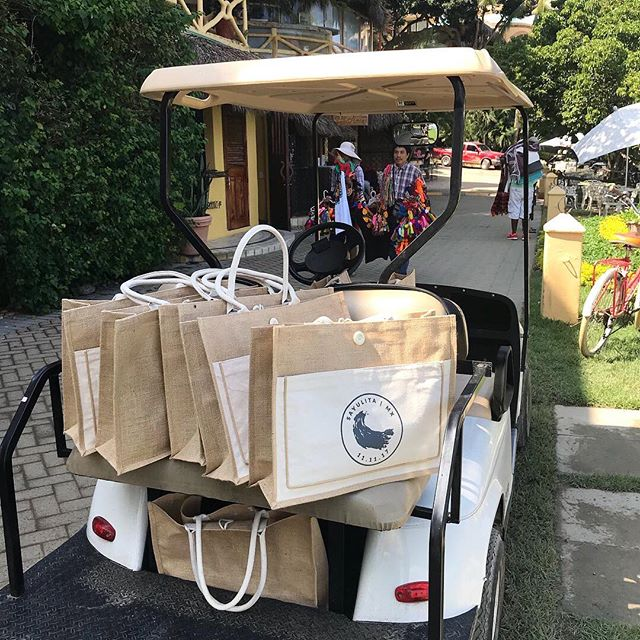 A YEAR ago today my sister and I were putting around the streets of Sayulita in a golf cart eating chocolate bananas and delivering guest bags for my very own wedding!! I have no idea where the time has gone 🙃 I wish I could zip myself back to one of the absolute best weekends full of family, friends and love 💫 11.11.17 I don't think we successfully delivered the bags to half of the houses because addresses don't really exist in Sayulita 🤷‍♀️ but it was the effort that counted. 🌞👯‍♀️ @karissa_akin . . . #wedding #giftbags #beachbum #sayulita #timeflies #bride #logo #designer #smallbusiness #graphicdesign #golfcart #banana #local #mexico #takemeback #wyoming #jackson #weddinginspo #beachwedding #1111 #oneyearanniversary