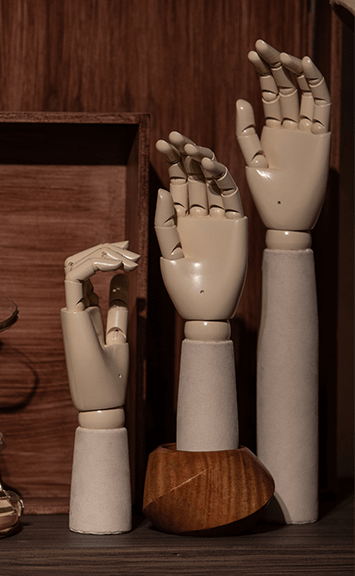 HANDS AND SHOE FORMS