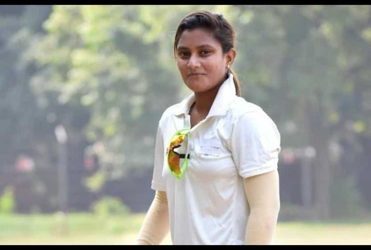 TANIYA BHATIA - WICKET-KEEPER BATSWOMAN